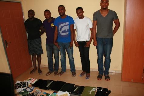 Photos:  5 yahoo boys in Enugu caught by EFCC
