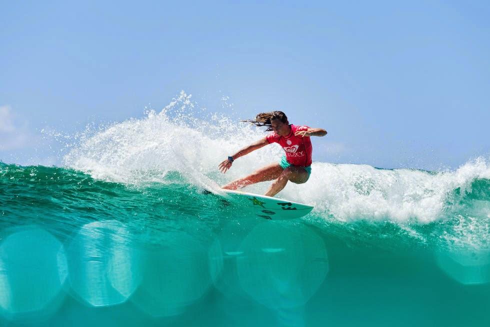 20 Roxy Pro Gold Coast 2015 Courtney Conlogue Foto WSL Kelly Cestari
