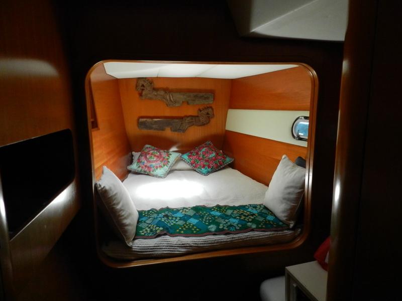 Catamaran smal bedroom