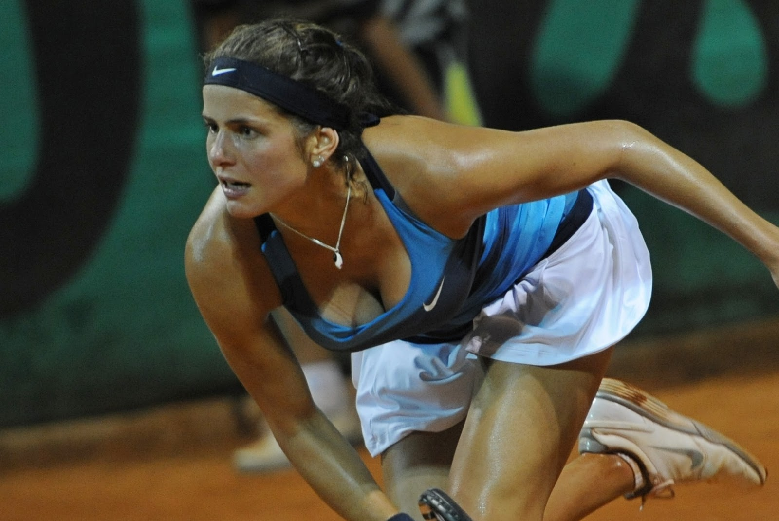Famous Sports Personalities: Julia Goerges Hot 2013