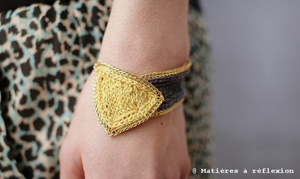 bracelet en crochet jaune et gris wear and tear