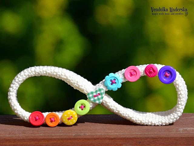 crochet infinity symbol