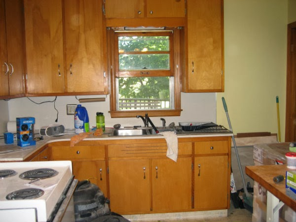 1950's kitchen - before