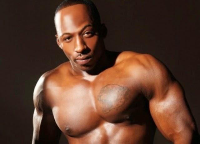 Adonis Jay pelado