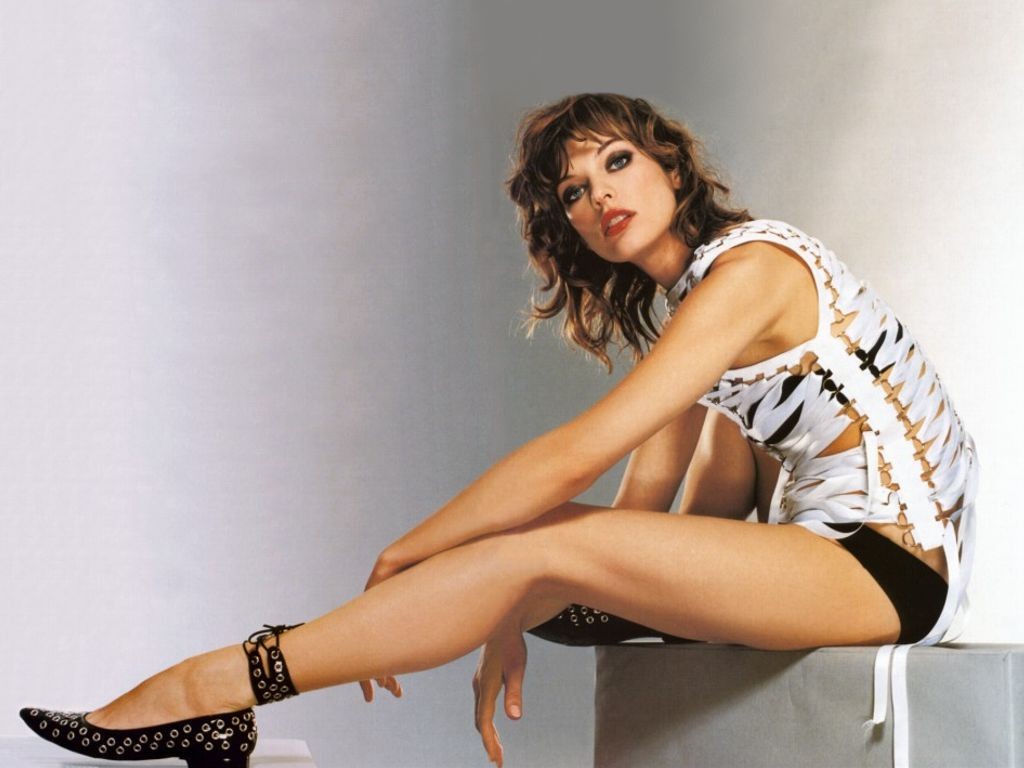 Hot Milla Jovovich's Wallpapers | World Amazing Wallpapers | Hot ...