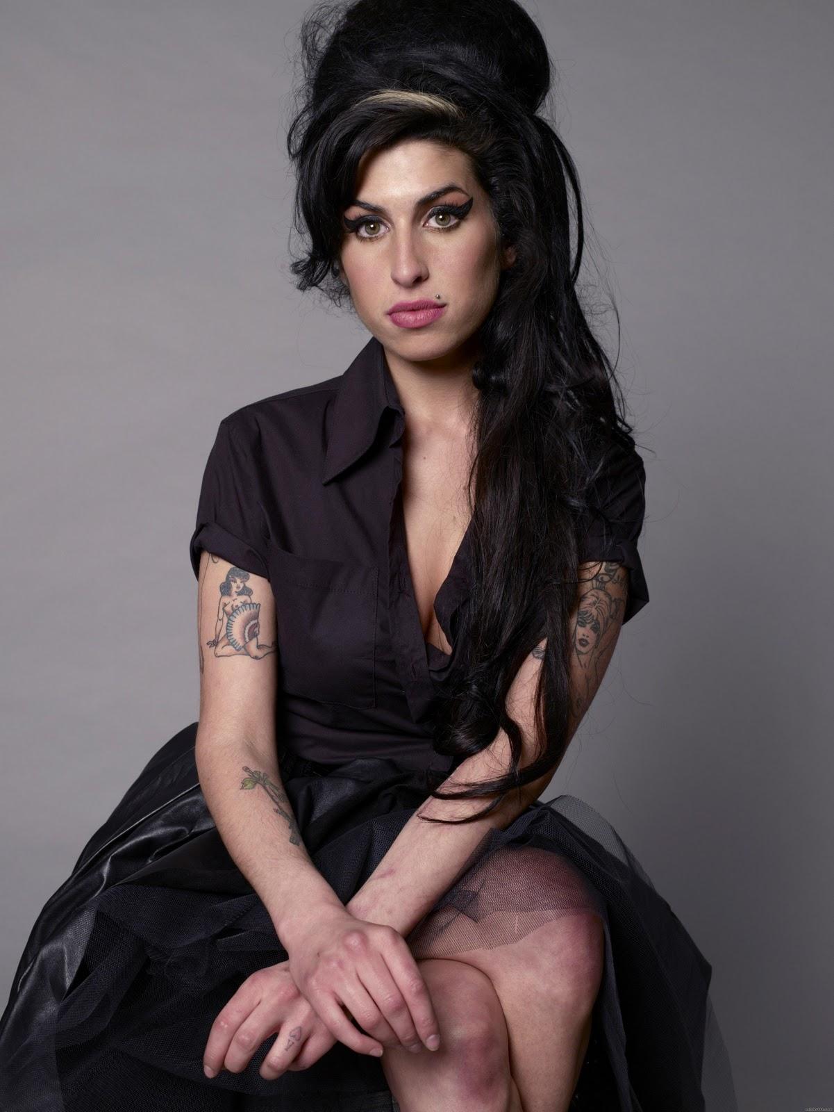 http://3.bp.blogspot.com/-cQk6F-8krEQ/Ti7xpXNYdmI/AAAAAAAAAL8/uFq7wevS5Xw/s1600/Amy_Winehouse_4.jpg