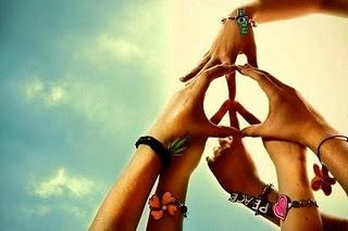 é do amor que vive a paz