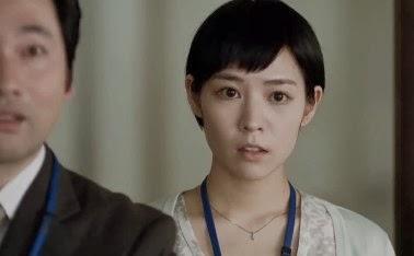驚いた表情の吉谷彩子