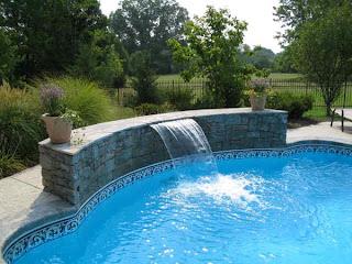 Cascata transparente para piscinas