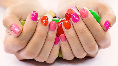 esmaltes de uñas colores