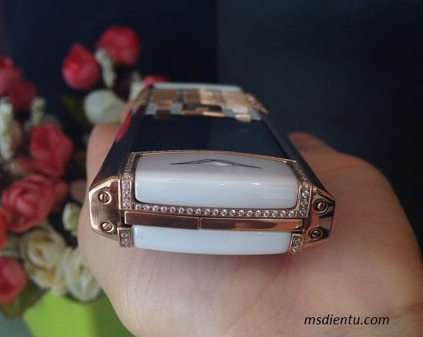 Điện thoại Vertu Signature S trắng - tinh tế, khẳng định đẳng cấp hàng hiệu