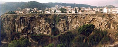 PARC PREHISTÒRIC DE CAPELLADES (BARCELONA)