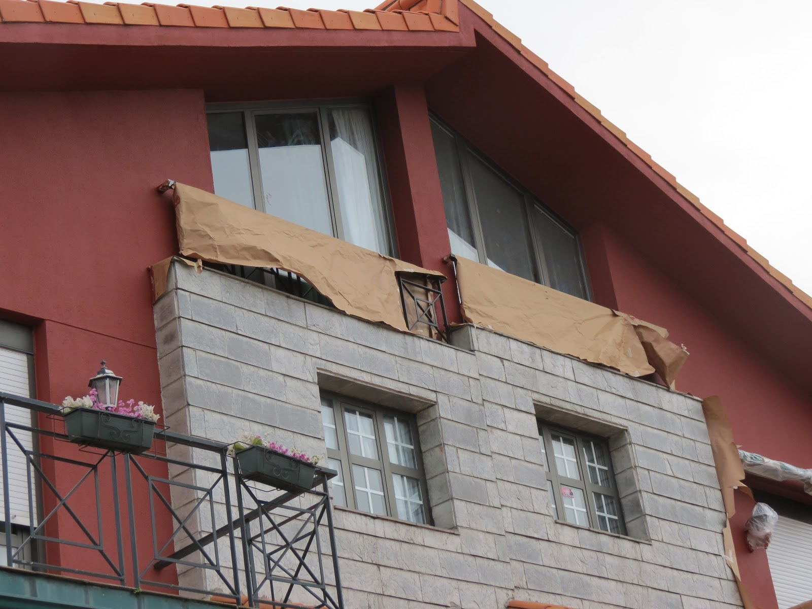 Pintura y decoraci n pintura en exterior fachada en chalet - Pintura exterior fachada ...
