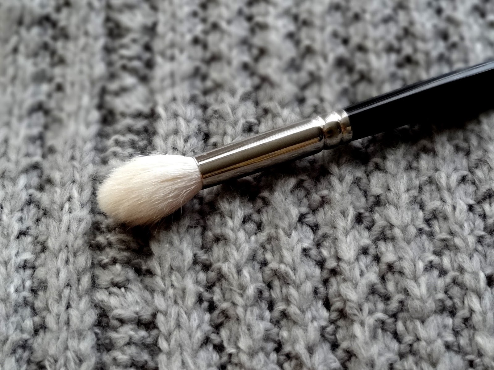 Hakuhodo J5522 Tapered Eye Shadow Brush