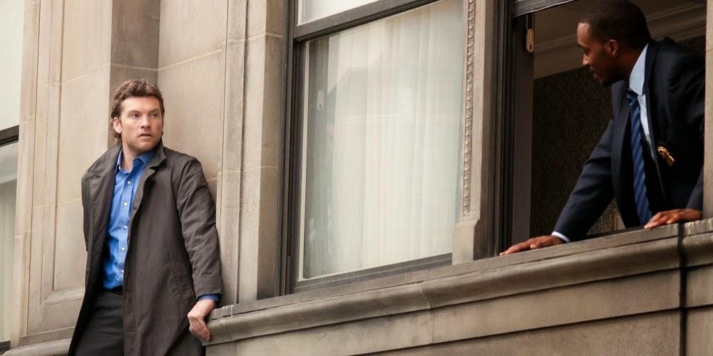 Sam Worthington e Anthony Mackie em À BEIRA DO ABISMO (Man on a Ledge)