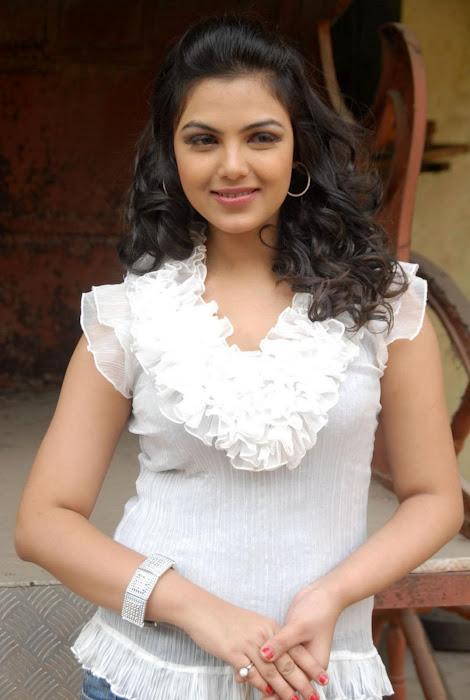Priyanka Tivari nice