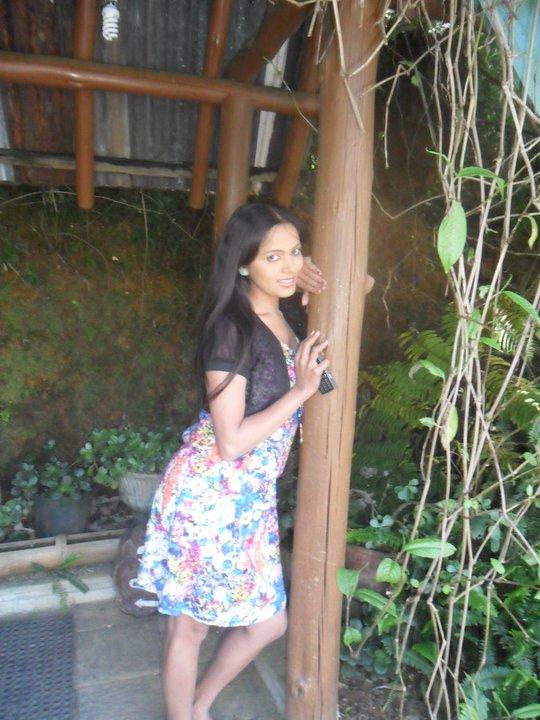 Teledrama Actress Nethu Priyangika Sexy Photos