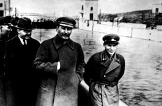 Stalin+Yezhov
