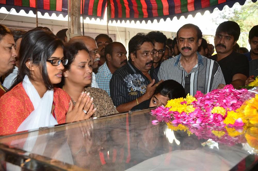 Telugu Hero Uday Kiran Condolences-HQ-Photo-20
