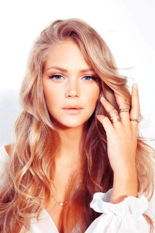 Le Blond Fraise La It Tendance Capillaire Du Moment Beautylicieusebeautylicieuse