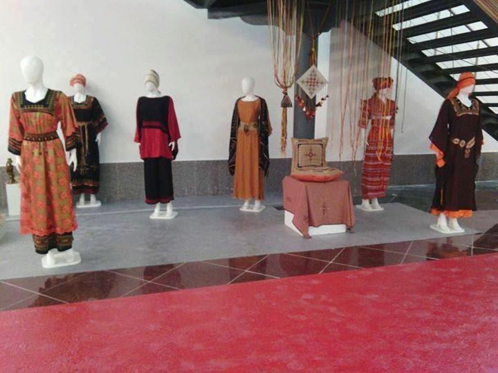 ملابس نسائية تقليدية