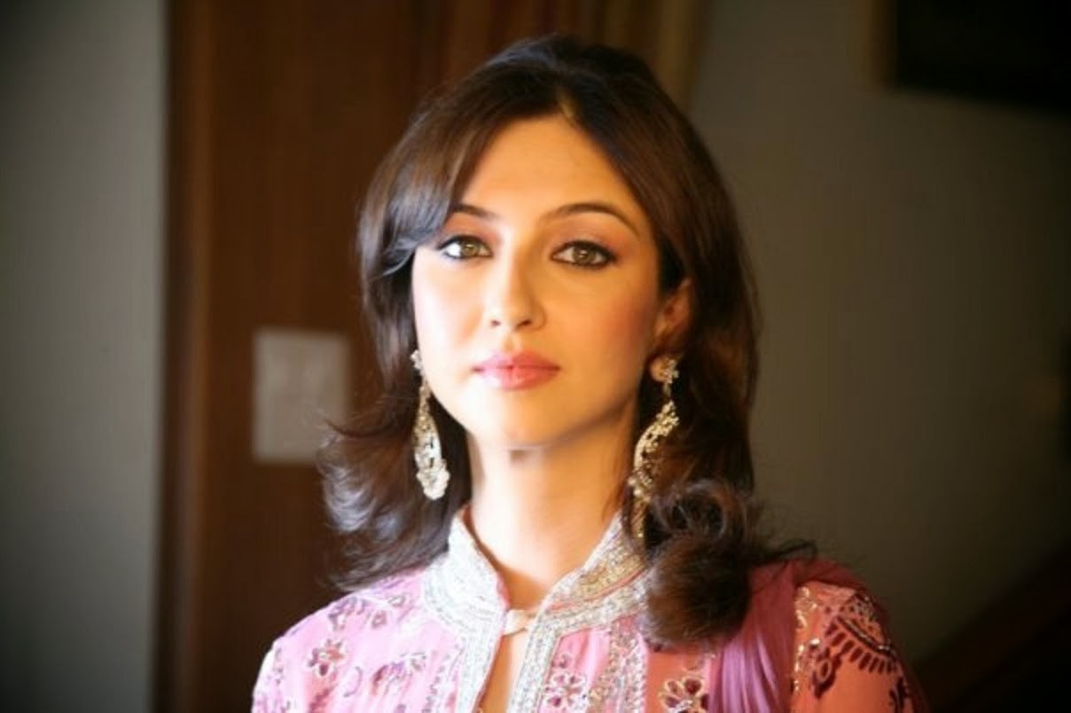 Saumya Tandon HD Wallpapers Free Download