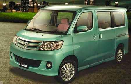 Gambar Daihatsu Luxio - warna hijau