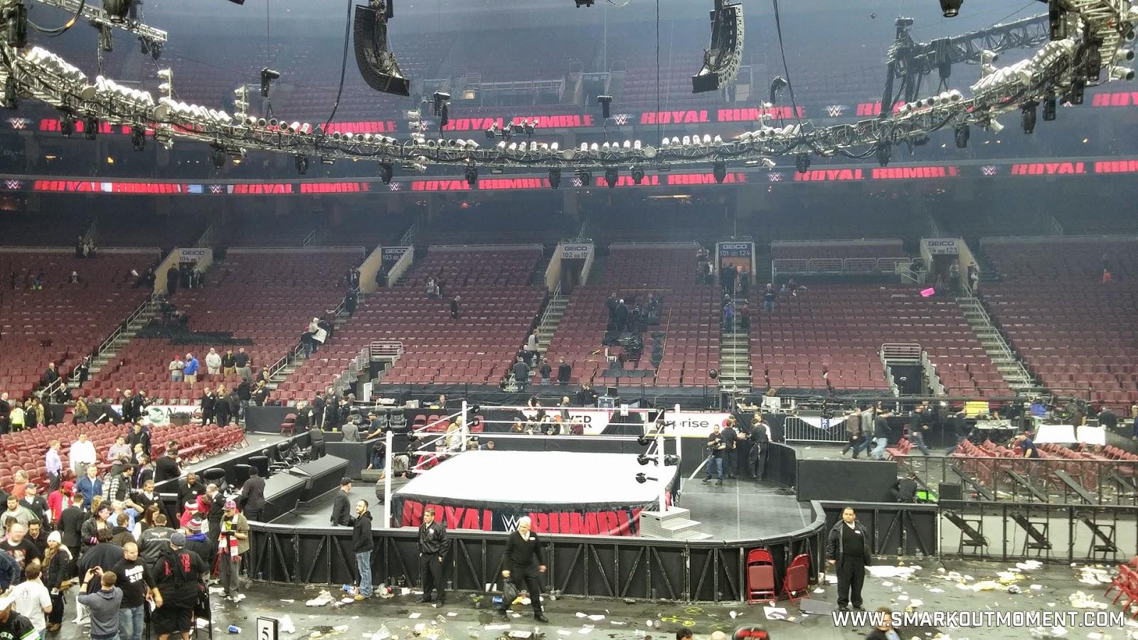 WWE Royal Rumble 2015 garbage trash