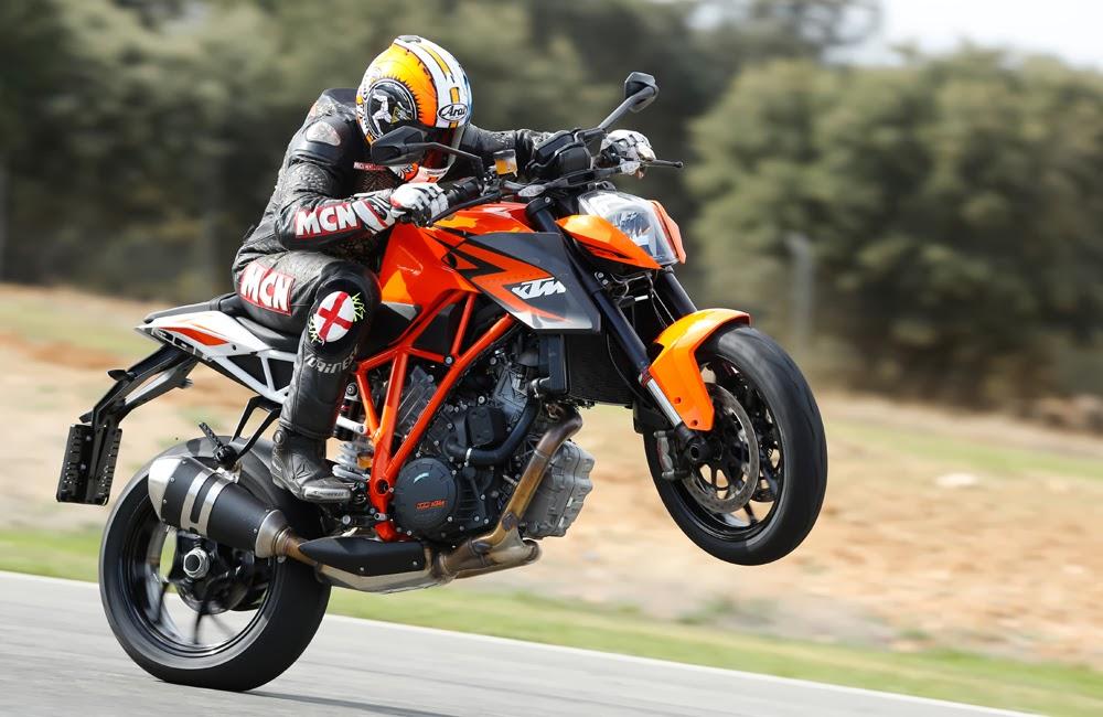 Ktm Super Duke Vs Ducati Monster