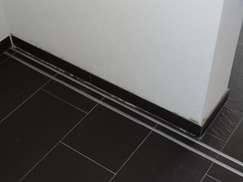unser haus entsteht gartenbau sockelleisten k chent ren umzug einzug. Black Bedroom Furniture Sets. Home Design Ideas