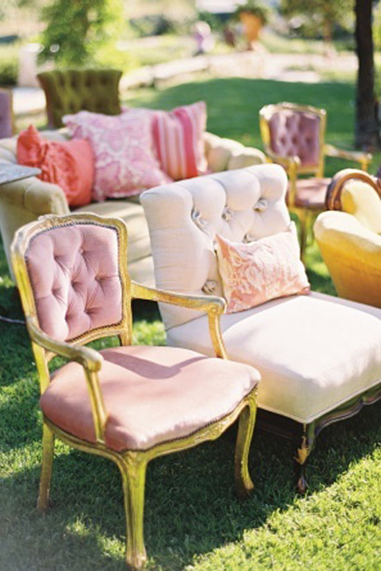 ohmyWedding Mix de sillas en la ceremonia