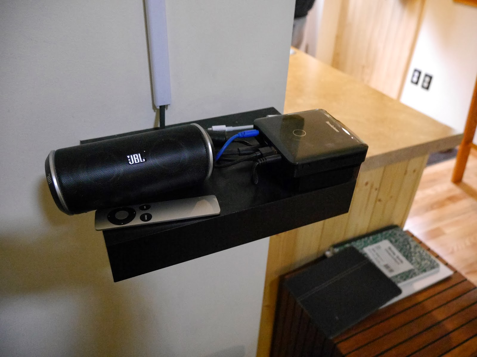 Relaxshackscom The Worlds Smallest SOLAR powered TV