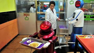 restoran robot di China