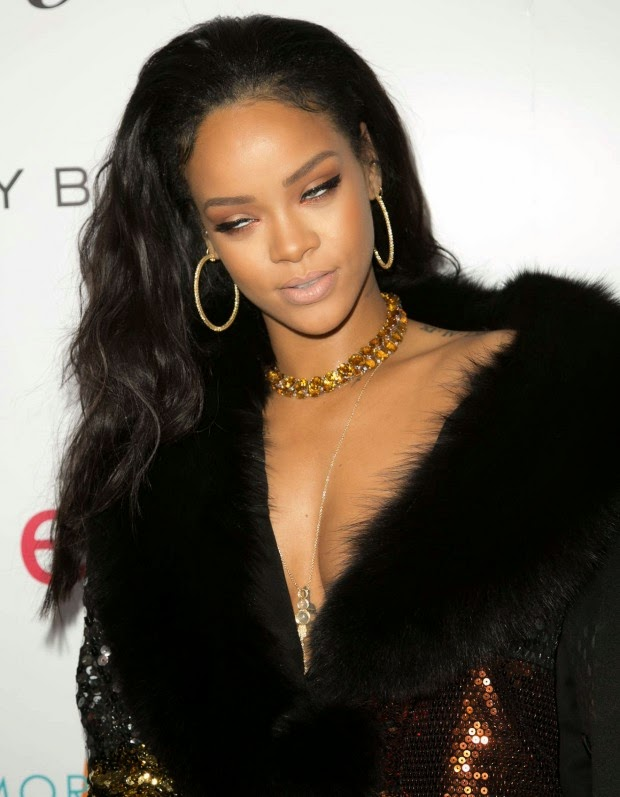 Rihanna – The DAILY FRONT ROW 2015 Fashion Los Angeles Awards Show