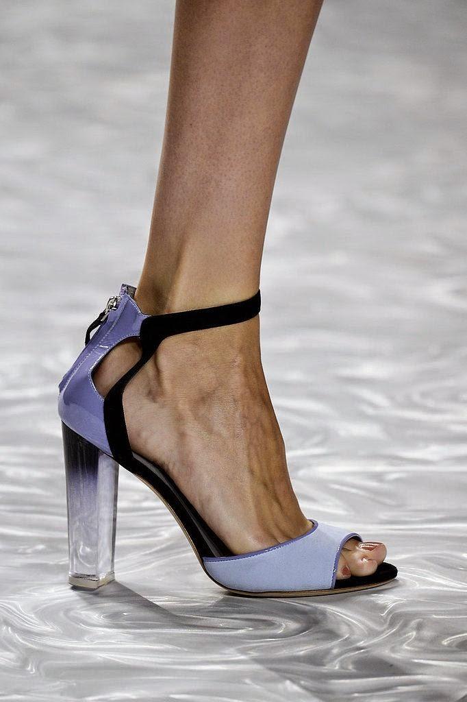 Sandálias acrílico- Tendências sapatos primavera-verão 2015