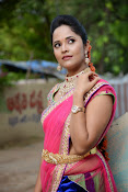 Anasuya photos in half saree-thumbnail-8