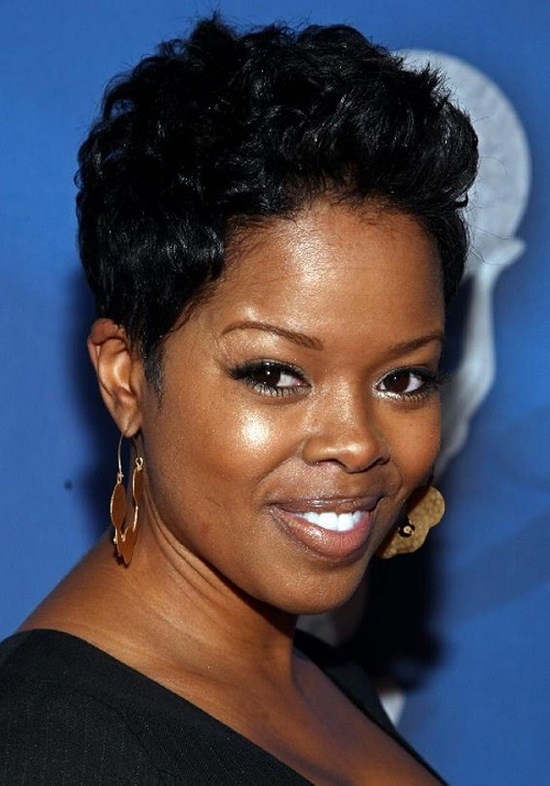 Short Hairstyles for Black Women Over 50 Idea