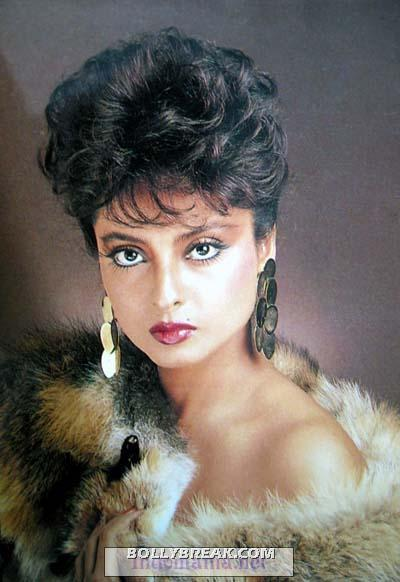 rekha boy cut pic - (7) - Rekha Hot Pics - 1980's 1970's Rekha Photo Gallery
