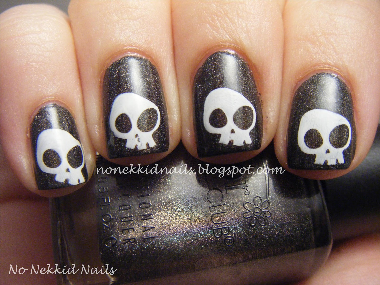 No nekkid nails halloween skeleton nails then for my left hand i used my two way nail art brush and pen in white using the pen side to draw on the skeletons bones i really like this tool prinsesfo Images