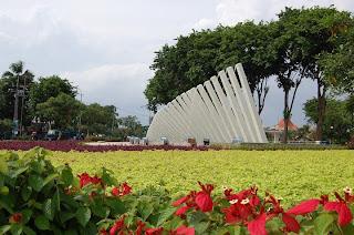 bunga di taman pelangi
