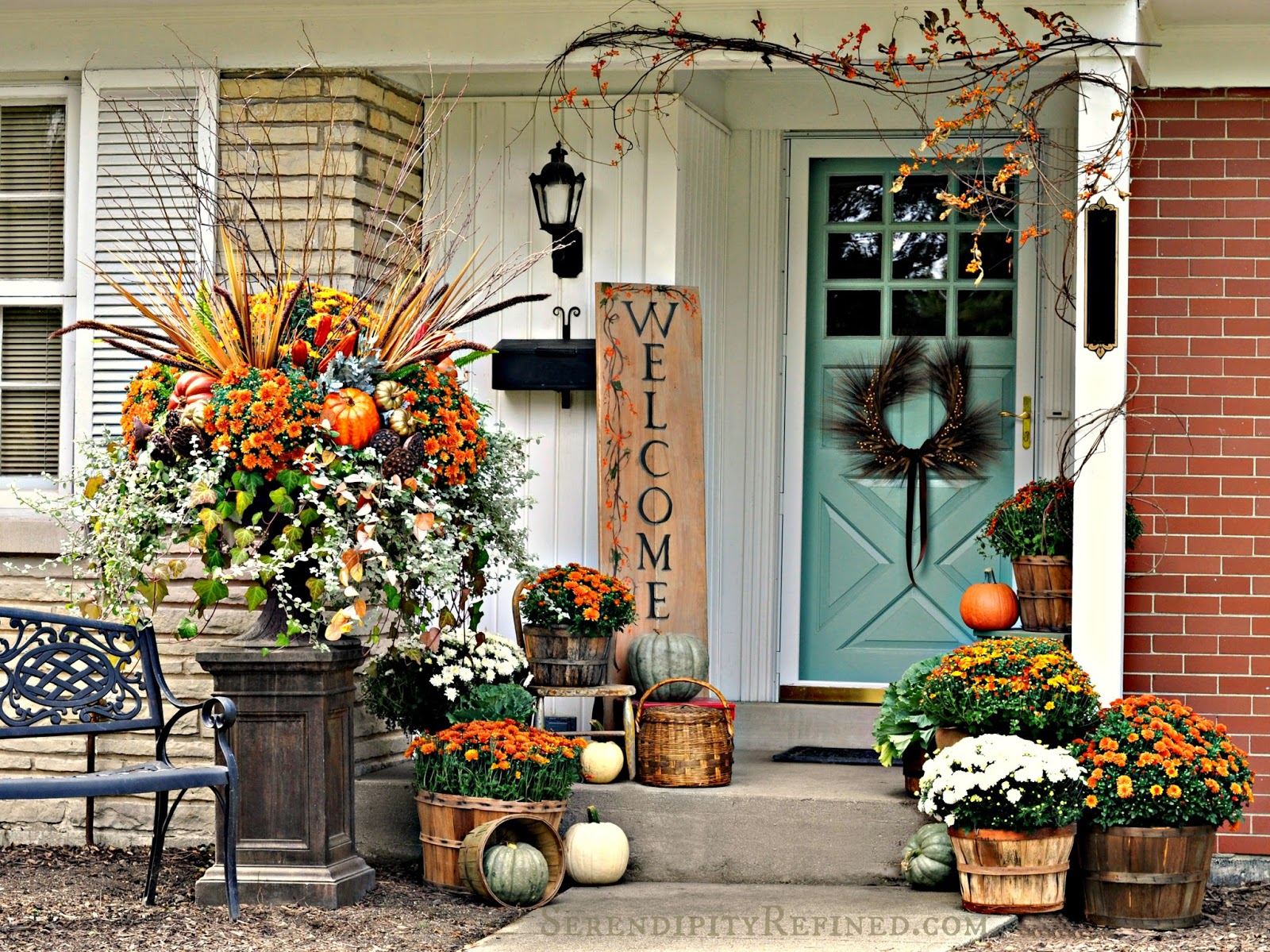 Serendipity refined blog fall harvest porch decor with for Pictures of fall decorations for outdoors