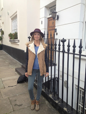 hat, burgundy hat, fashion blogger hat, german burgundy hat, hat london
