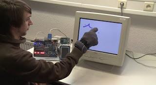 Crtouch Sarung Tangan Perubah Monitor Biasa Jadi Touchscreen