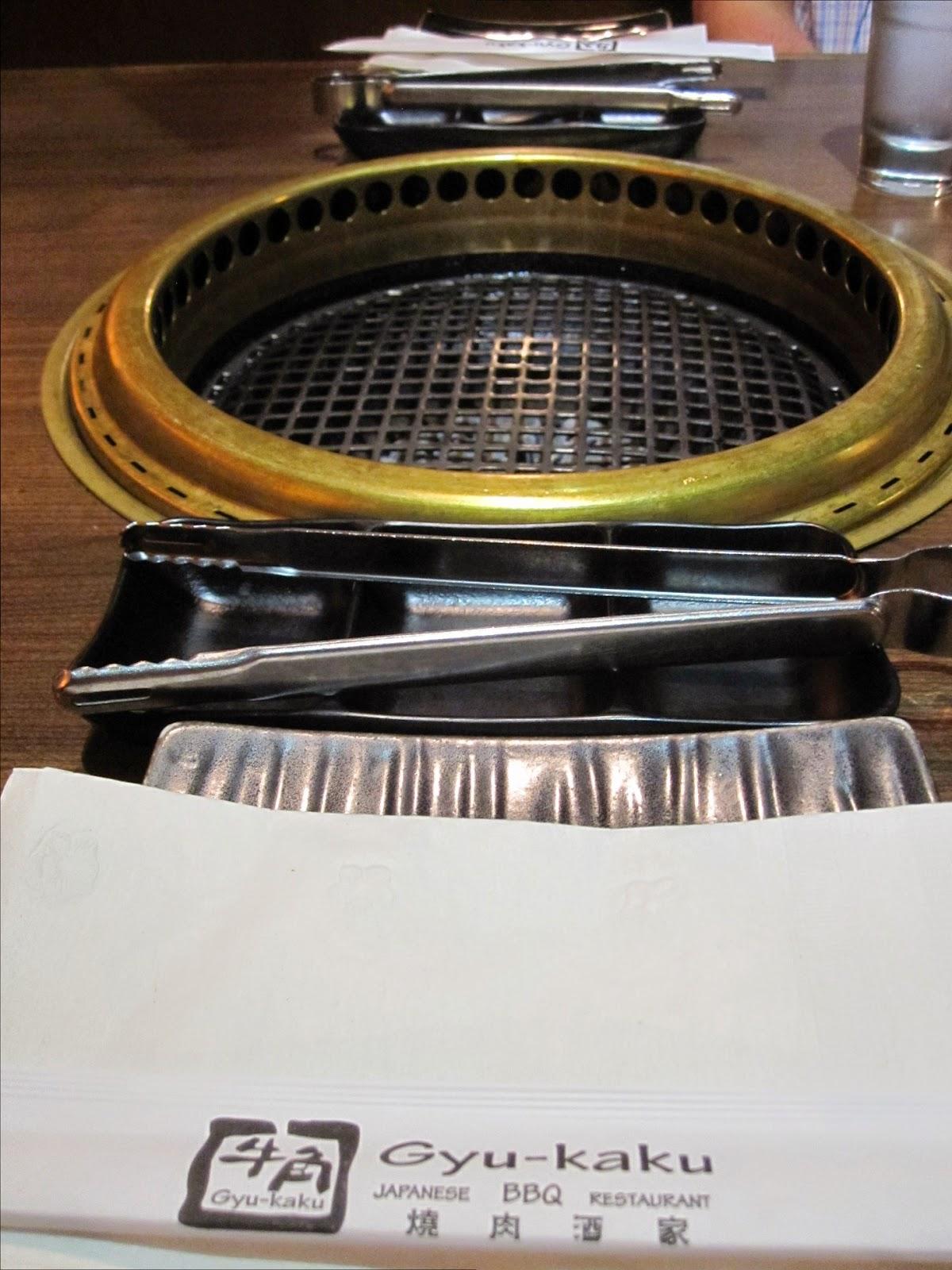 Pöytägrilli ja grillipöytä