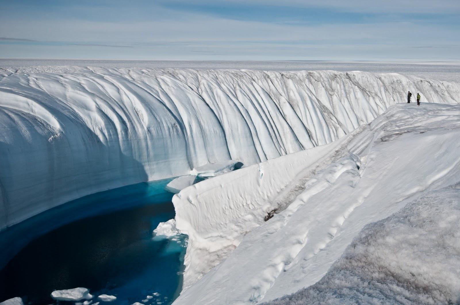 The Amazing Ice Canyon...