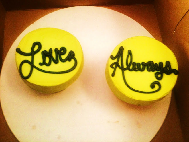 Love_Always_Wedding_Rum_Cupcakes