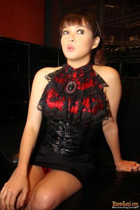 Gambar Bugil Terry Putri si Mungil dan Sexy
