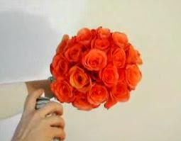 Cách bó hoa hồng 11