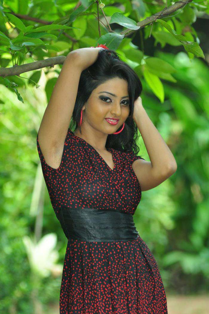 Sri Lankan Hot Model Rozell Plunkett Photos | Hots Live