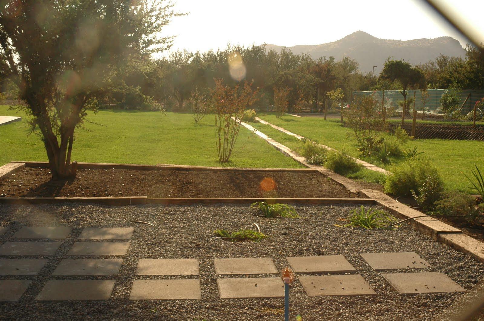 Jardin familia devandas francisco silva claudio pezzani for Construccion de piscinas en santiago